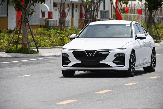 Review chân thực về ô tô Vinafast LuxA sau 1 thời gian sử dụng